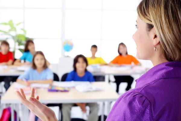 Sociala skyddsnät i skolan — läromedel i samhällskunskap åk 4—6